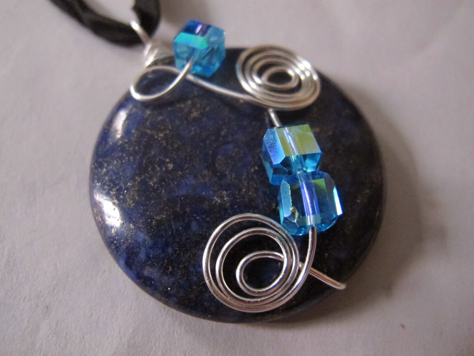 Naomi\'s Designs: Handmade Wire Jewelry: Large silver wire wrapped ...