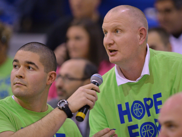 http://lakeforest.chicagotribune.com/2014/12/18/basketball-lake-forest-community-supports-cancer-stricken-daughter-of-coach/