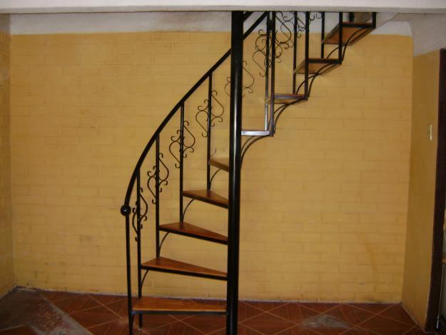 Industrial idma ingenier a y dise o maldonado escaleras for Imagenes de escaleras de caracol