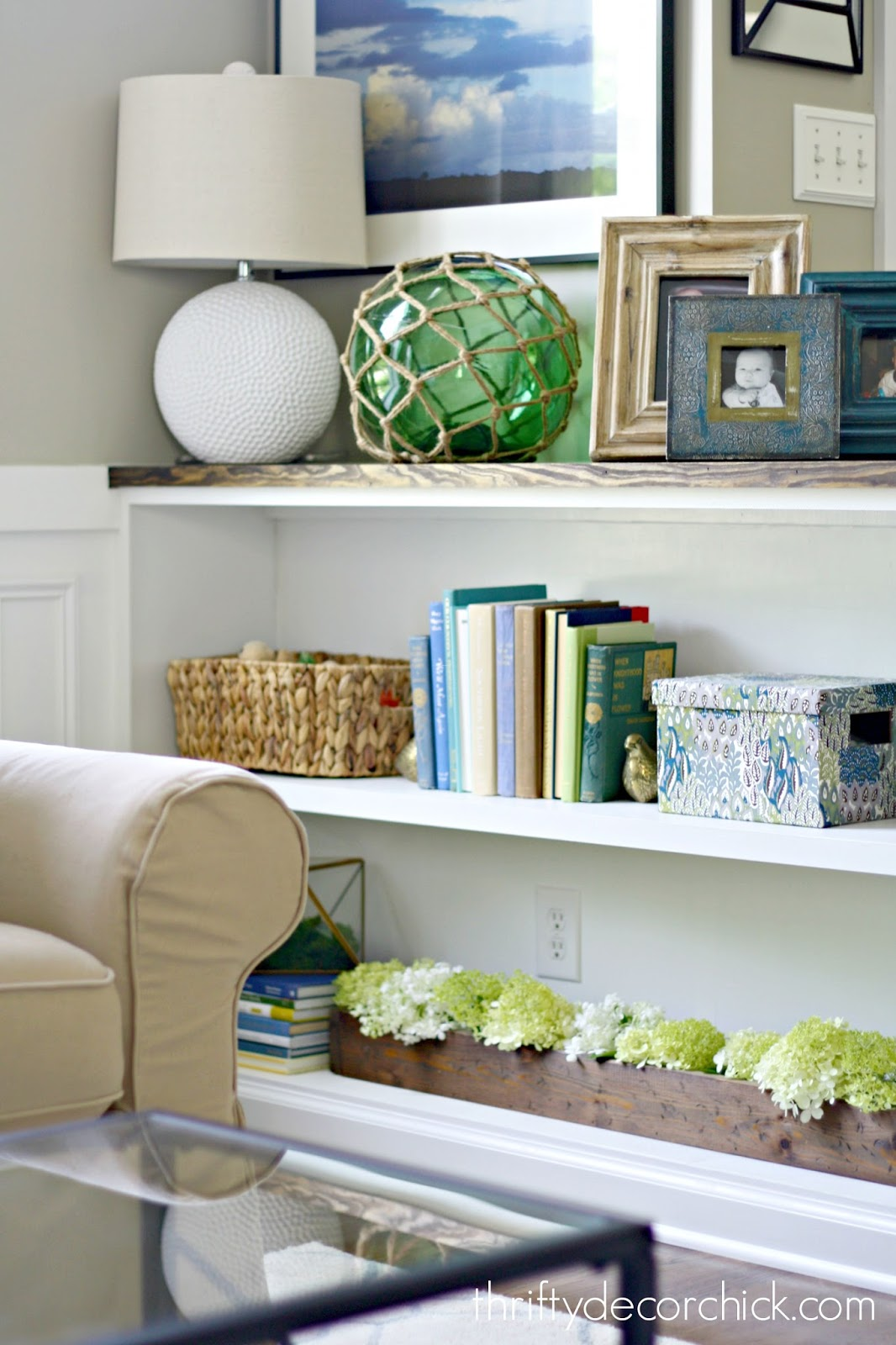 decorating bookcases