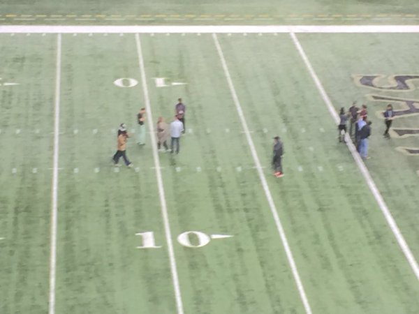 Beyoncé vuelve a los escenarios donde se presentó en el Super Bowl para la grabación de vídeo.