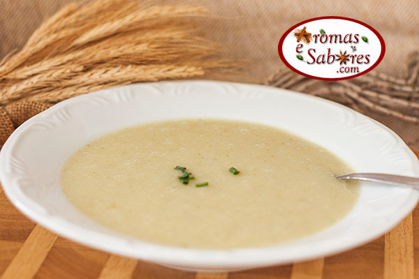 Sopa de abobrinha com batatas