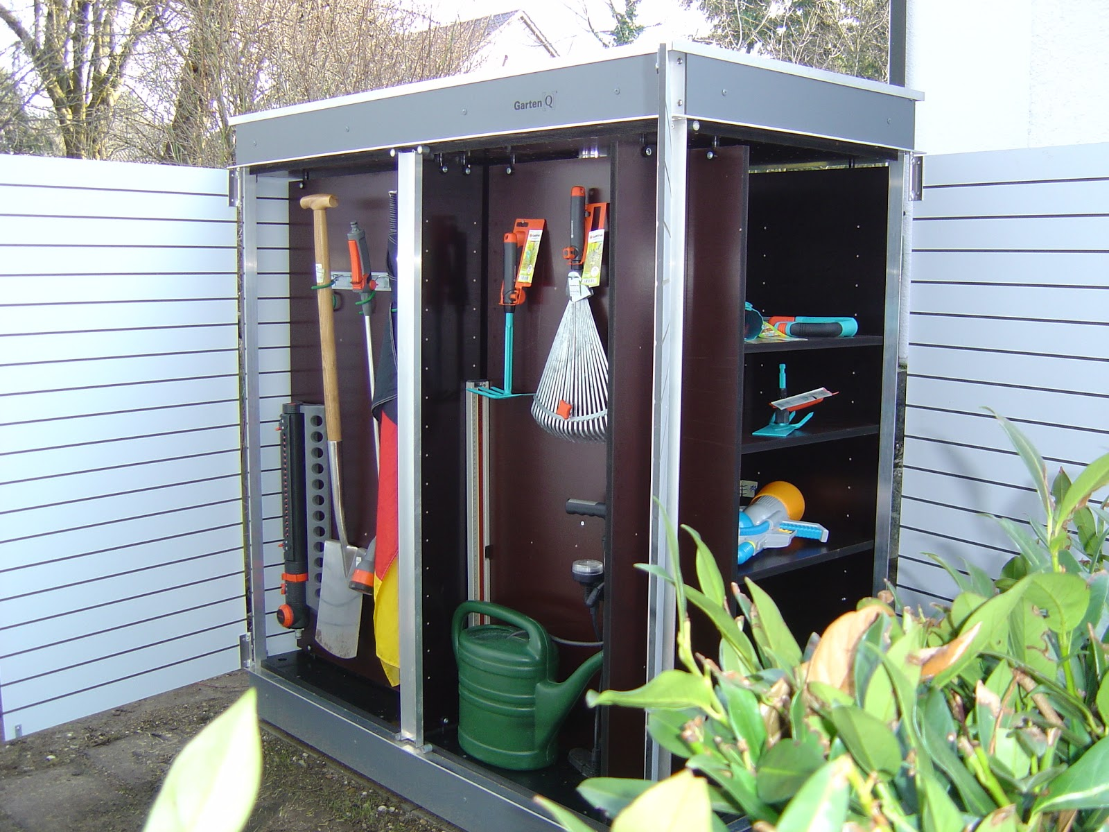 Moderne designer gartenh user oktober 2012 for Cabane rangement jardin