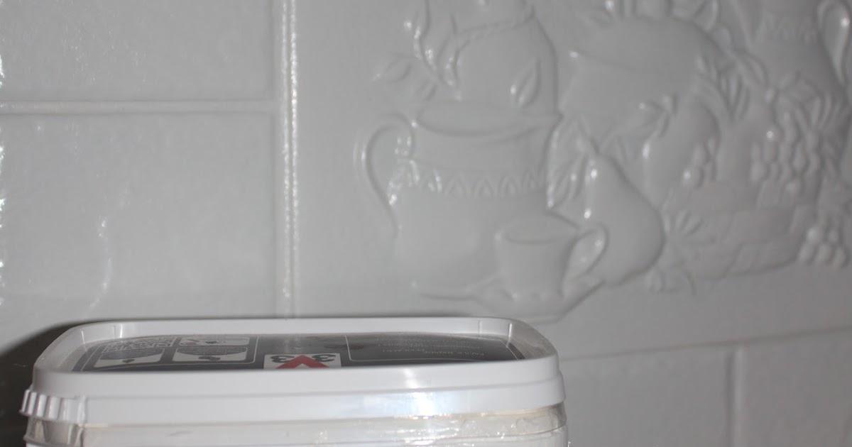 Tau(v)onpaikka Keittiön välitilan kaakeleiden maalaaminen