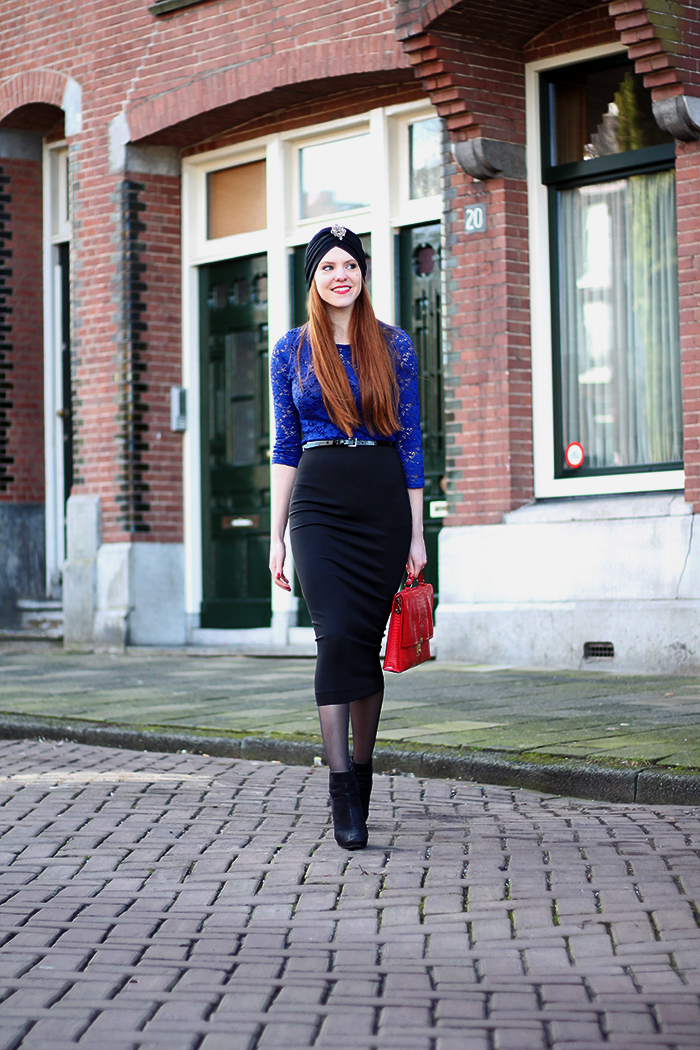 Dutch fashion blogger Amsterdam cobalt blue turban red lipstick hair midi pencil skirt