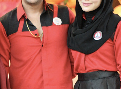 Gambar intim Sharnaaz Ahmad peluk erat pinggang Buah hati baru