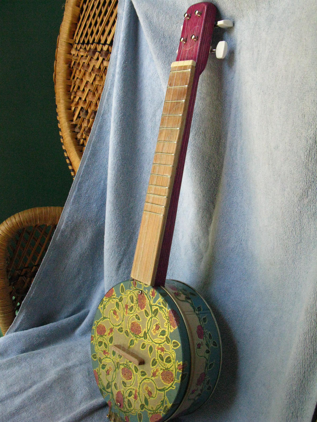There S A Frog On My Porch Cookie Tin Ukulele