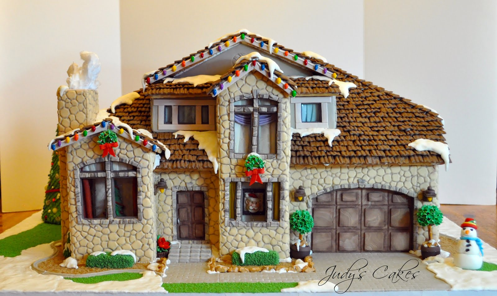 Judy 39 s cakes vote for my gingerbread house - Houses decorated ...