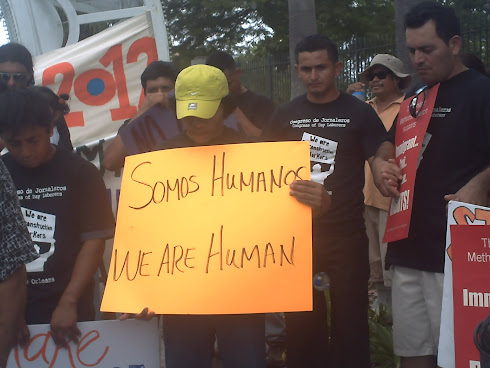 SOMOS HUMANOS / WE ARE HUMAN