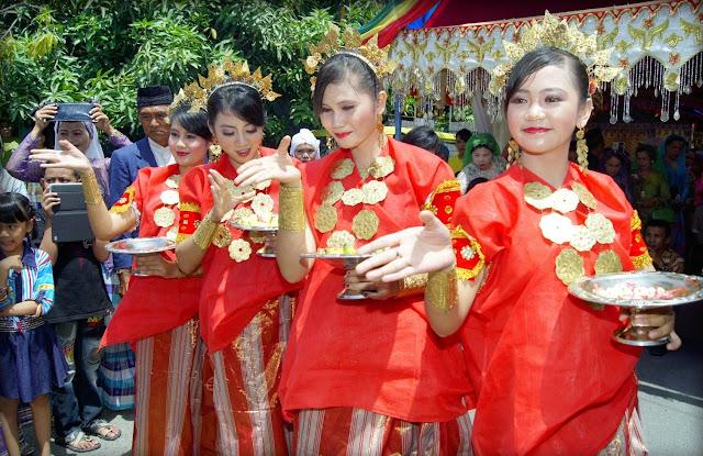 Tempat Wisata Terbaik Di Jawa Tengah Dan Indonesia: Budaya Sulawesi Selatan