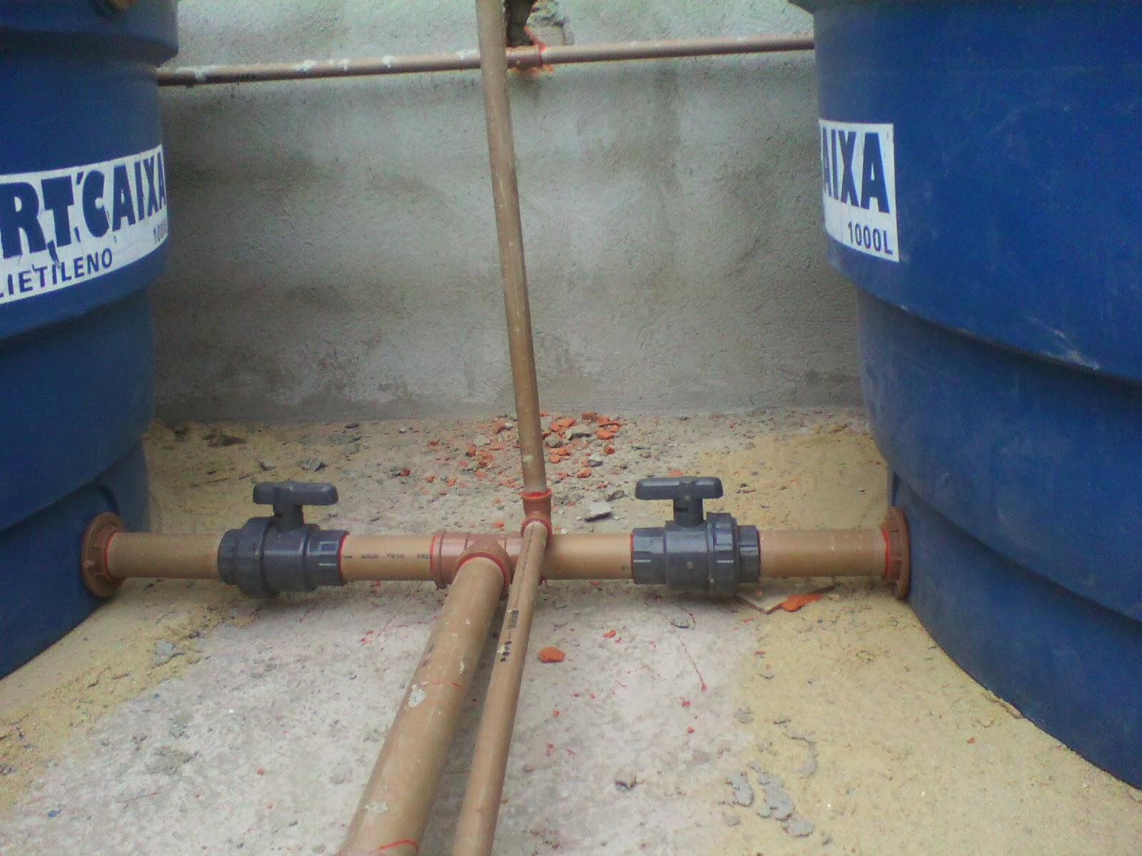 Casa Tony & Ta: Caixa d'agua Instalada e Madeiramento Telhado #233E6B 1600x1200