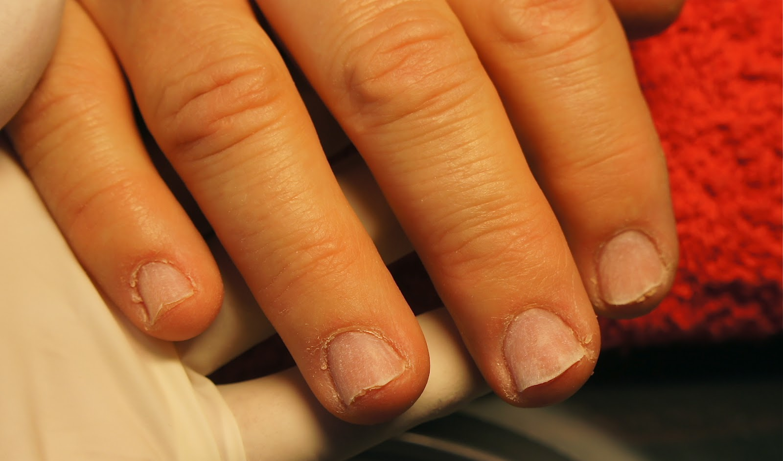 tunna naglar