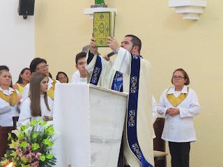 Imagens da Santa Missa dia 31/12/2015 na Igreja Matriz