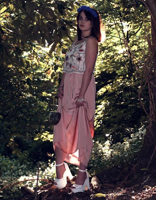 fashion style, uk fashion styling, art nouveau outfit