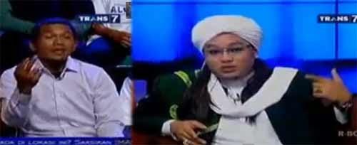 Ustad Hariri dan Entis Sutisna di Hitam Putih