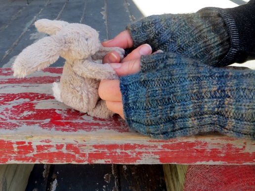 handspun yarn, fingerless gloves