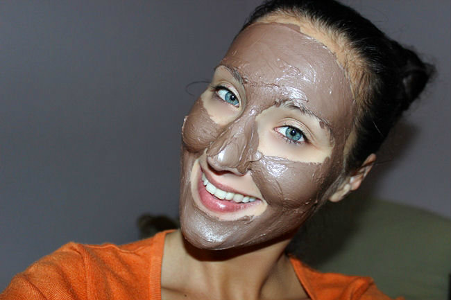 Montagne Jeunesses Chocolate masque ( chocolate mud face mask) . Cokoladna maska za lice. Best face masks.Montagne Jeunesse face masks.