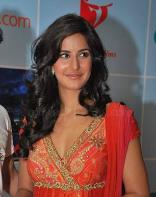 Katrina Meets Fans Of New York Competition Pics