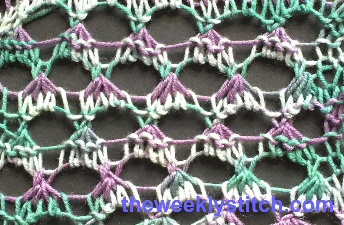 Reversible Grand Eyelets | The Weekly Stitch