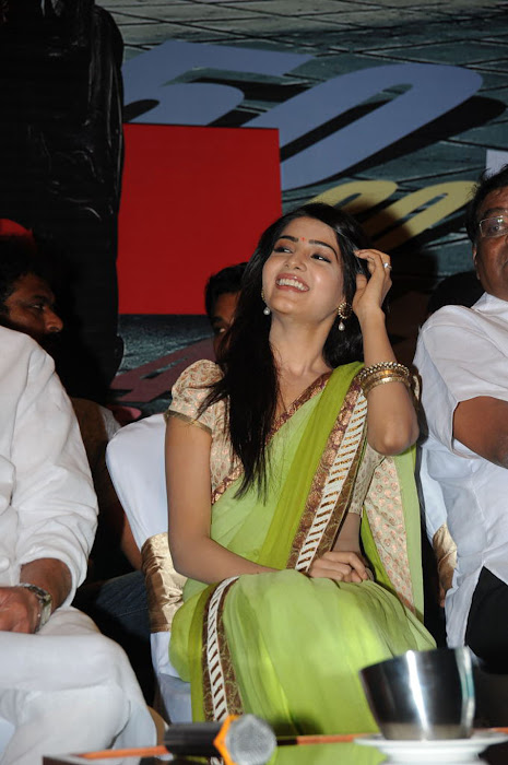 samantha at dookudu successmeet, samantha new glamour  images