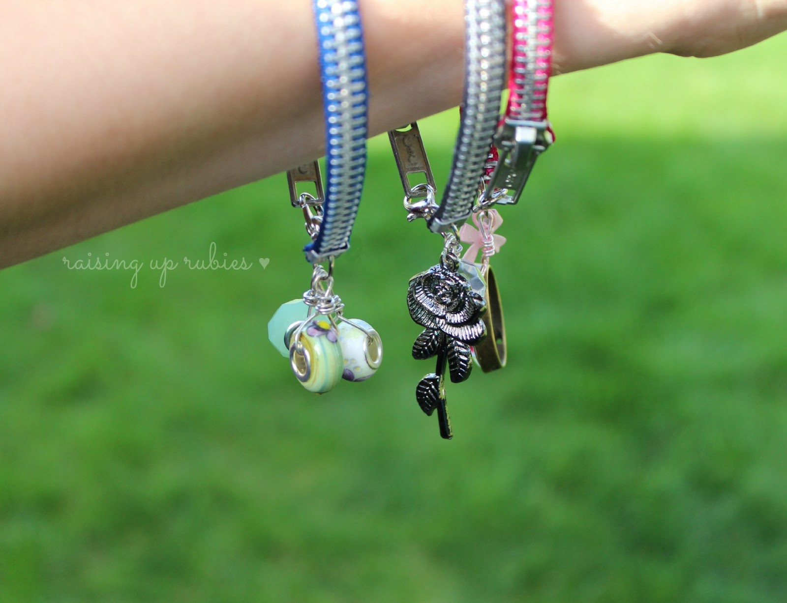 a zipper bracelet tutorial ... ♥