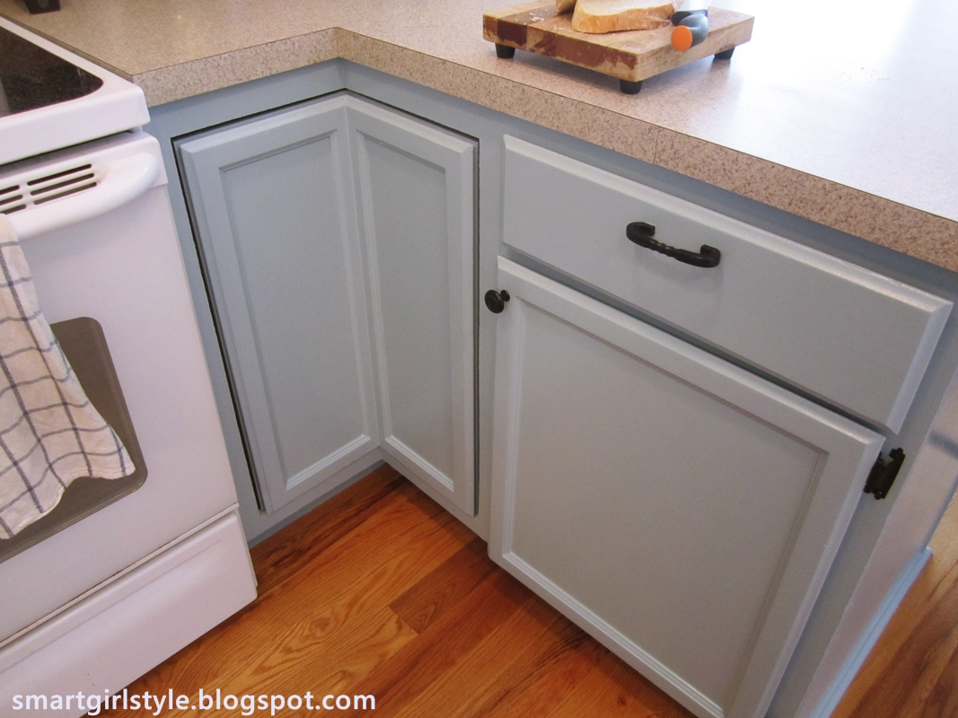 Light blue grey kitchen cabinets for Blue gray kitchen cabinets