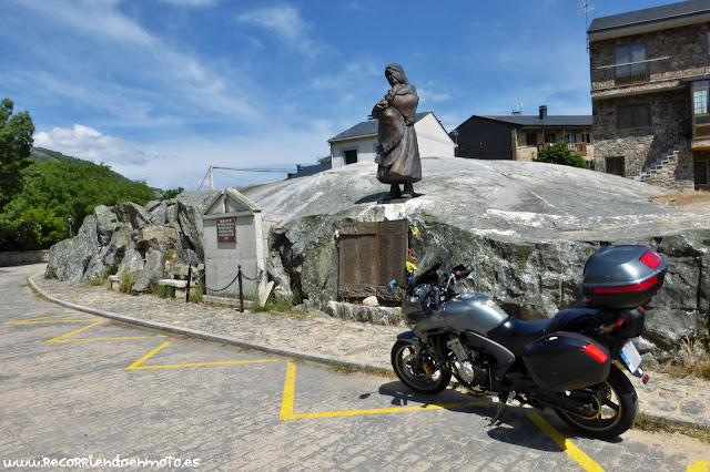 Monumento memorial a los desaparecidos de la catástrofe de Ribadelago