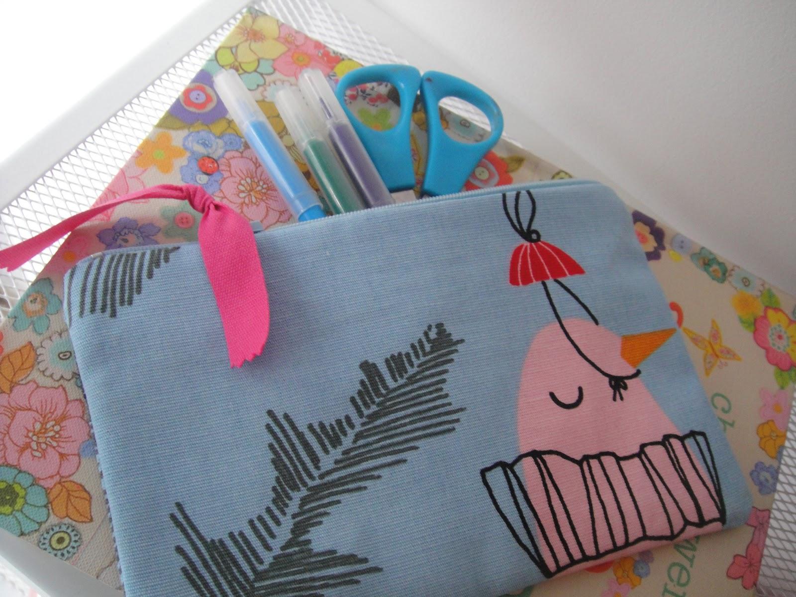 My sock friends co astucci e pochette in tessuto ikea - Portapenne ikea ...