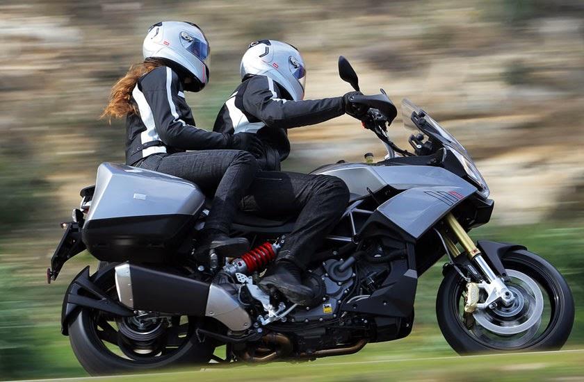 Aprilia ETV 1000cc Caponord Motorcycle Images