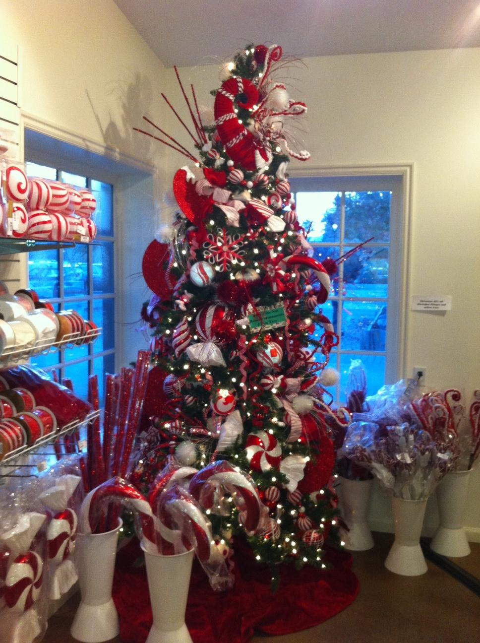 30 Creative Christmas Tree Decorations 2017