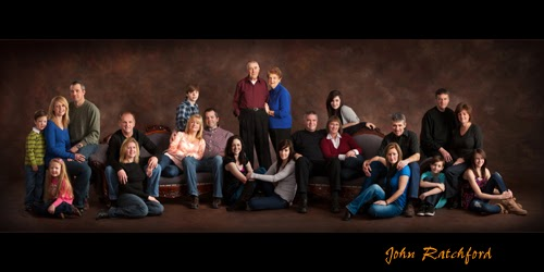 Holiday Family Portraits | Backgrounds by Maheu: backgroundsbymaheu.blogspot.com/2013/10/holiday-family-portraits...