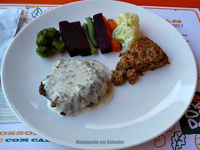 Calorias Na Medida: Prato de Filé Bovino com Lentilha com Quinoa e Legumes no Vapor