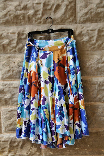 Floral print skirt.