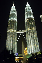 Petronas Twin Towers And KLCC Park - Click To Visit