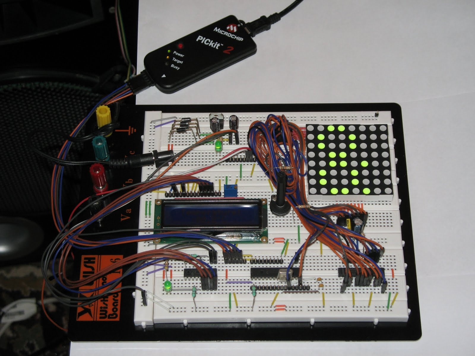 Electronic Experiments Dot Matrix Led 8x8 Max 7219 Pic16f628 4 Rgb Pwm Controller Physical Realization Is Carried Out On The Breadboard With 2420 Dots Example Made By Me Can Be Studied Below