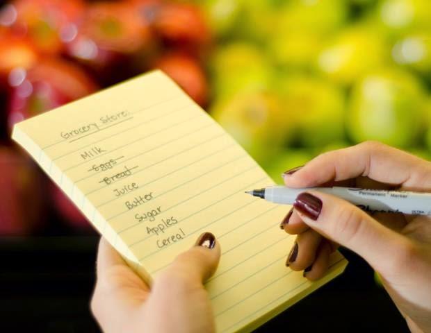 Buat daftar belanja bulanan secara rinci