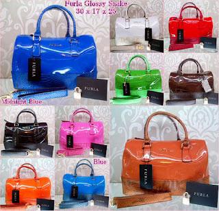 Berburu Tas Wanita Branded Terbaru Dengan Harga Murah    Informasi mengenai  tas wanita bermerek import terbaru kualitas KW Super a72c2d05fb