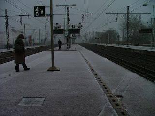 Que faire en attendant le train à coté de la gare