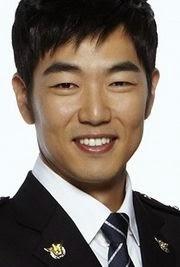 Biodata Lee Jong Hyuk pemeran tokoh Young Ho