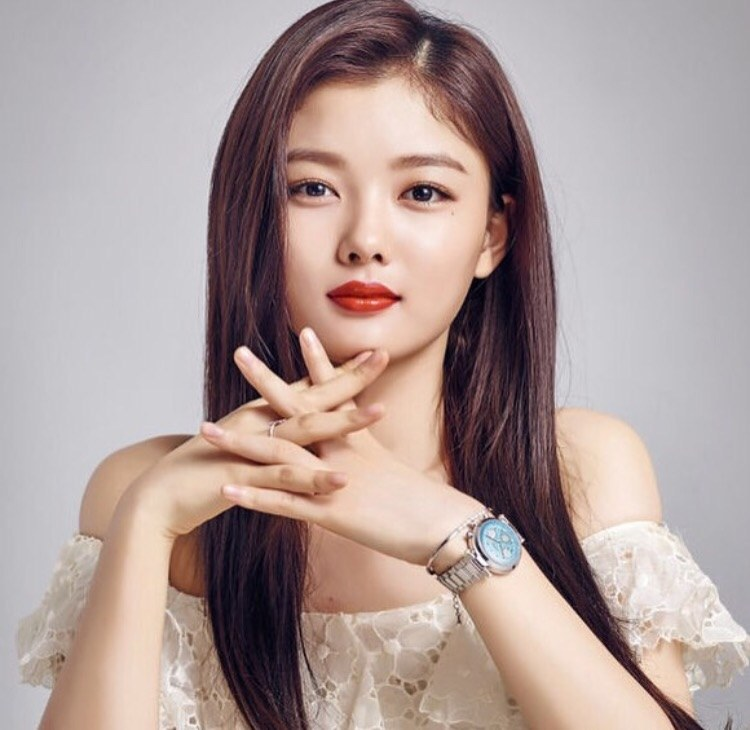 kim yoo jung s pretty looks aura k pop k fans