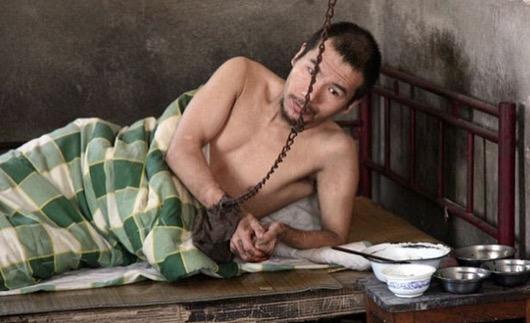 Lelaki Dirantai dan Dikurung Selama 21 tahun Kerana Cinta