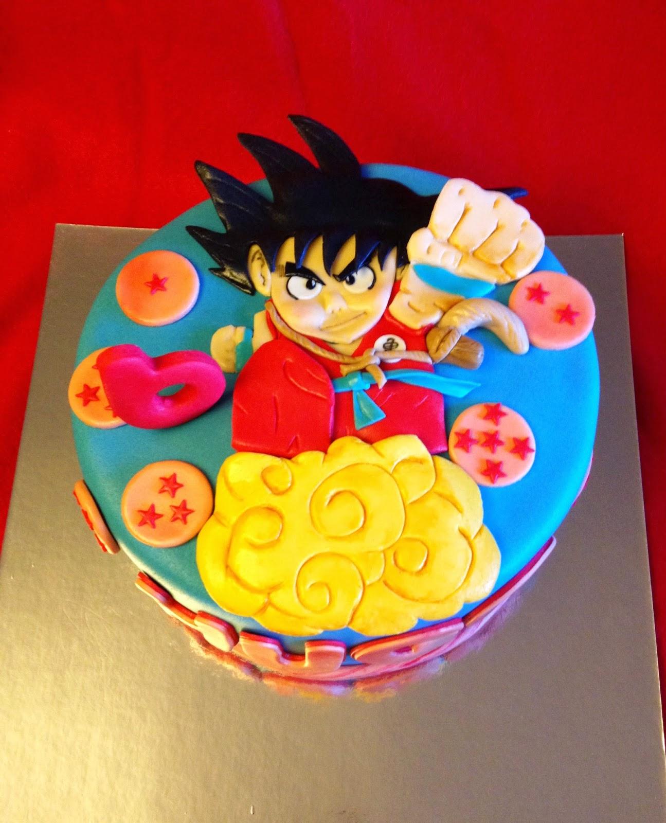 goku; bola de dragón; bola dragon; tarta fondant, tarta decorada; tarta goku; tarta fondant goku; tarta fondant bola de dragon