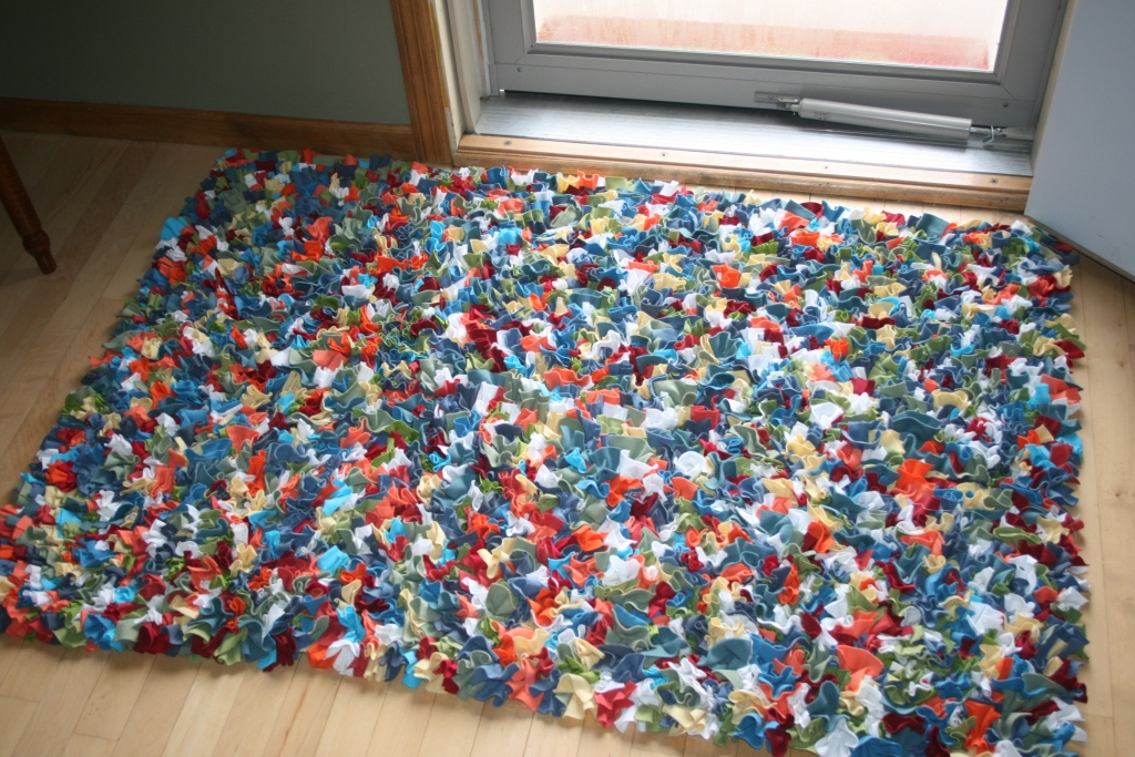 Crazy mom quilts finish it up friday week 9 for How to make rugs out of old t shirts