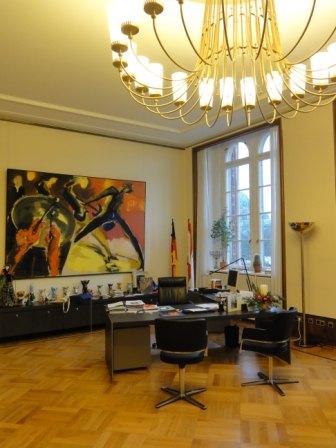 envoy e sp ciale berlin bureau du maire de berlin. Black Bedroom Furniture Sets. Home Design Ideas