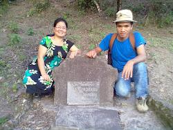 Noel Williamson's grave, Komsing