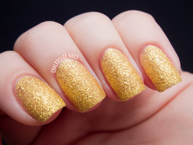 Chalkboard Nails: Zoya Solange (PixieDust textured shade)