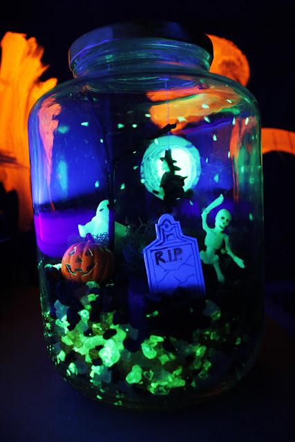 http://babbledabblehttp://babbledabbledo.com/halloween-crafts-terror-arium/do.com/halloween-crafts-terror-arium/