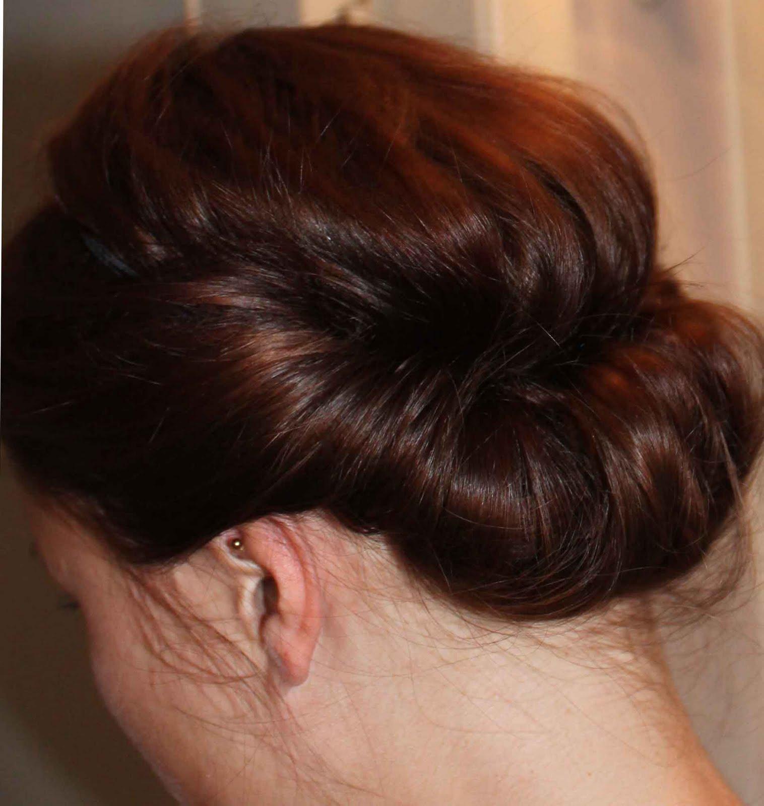 Hochsteckfrisur mit haarband anleitung