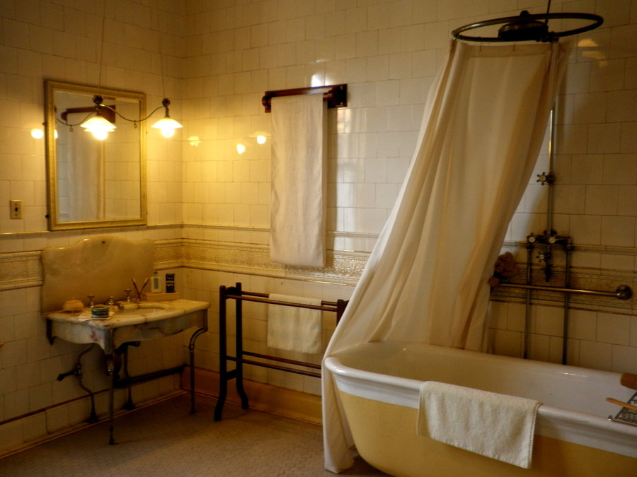 Victorian bathroom designs house and home for Home restroom design