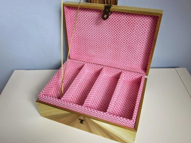 lapaillendeco bo te couture ou coffre bijoux en marqueterie de paille. Black Bedroom Furniture Sets. Home Design Ideas